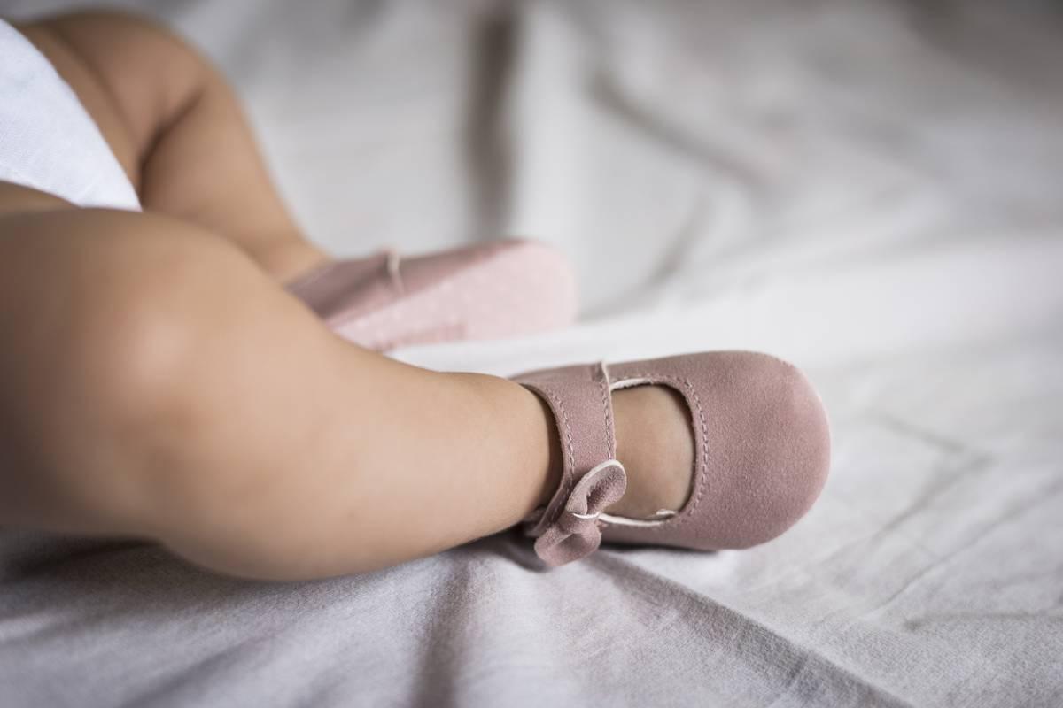 Bavoirs mouchoirs pour nourrissons bambins Bavoirs pour b/éb/é qui fait ses dents Sweet Charm Bavoirs bandanas pour filles Bavoirs en coton biologique ultra absorbant Ensemble de 8 bavoirs